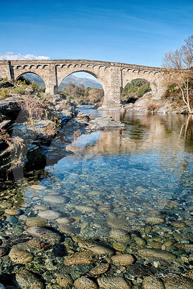 Pont genois  sur la Route de Corté